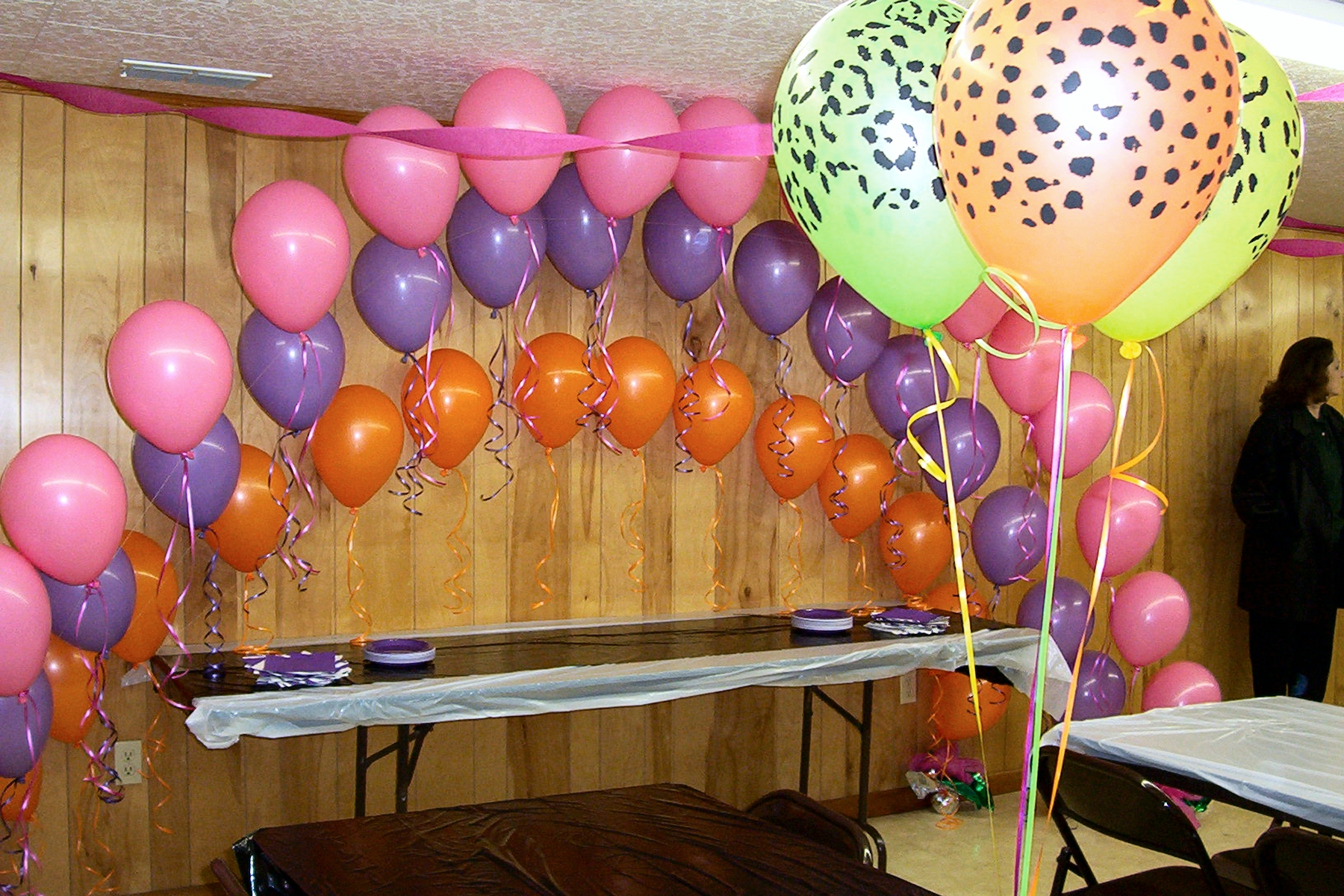 Balloon arch party favors ideas for Balloon decoration instructions